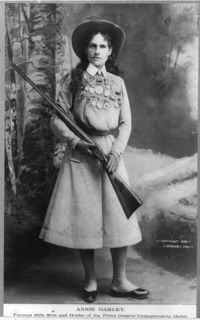 375px-Annie_Oakley_-_Full_length_photograph_circa_1899